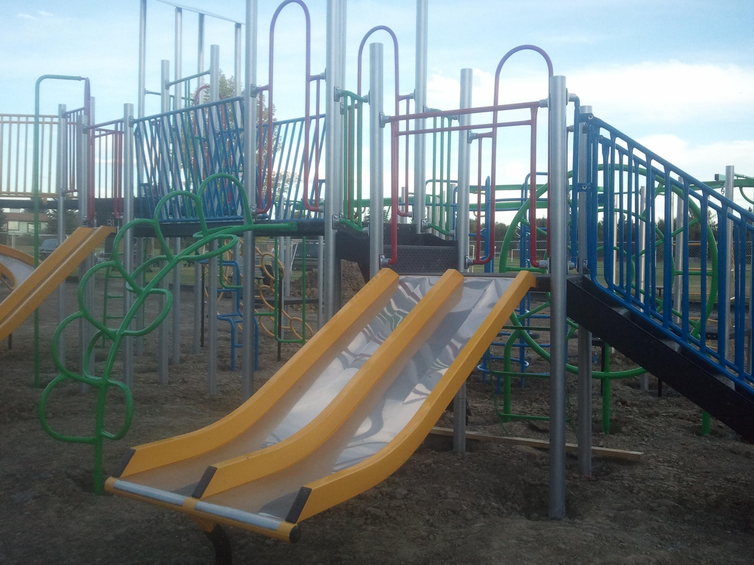 deer ridge yellow slide park playscape build  u2013 september 19